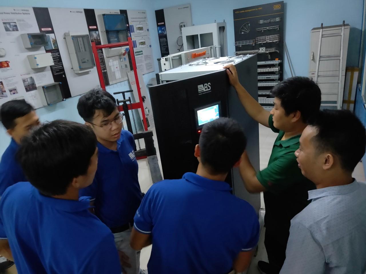 Trainning Bộ lưu điện ups TẠi Công ty VBS